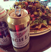 Kelly's Tavern Nachos and Beer